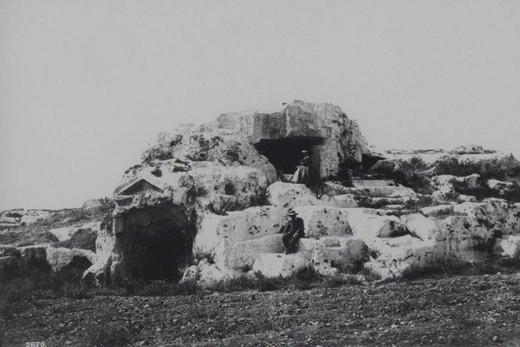 Le tombeau d'Archimède à Syracuse, Sicile - Le Grand Café