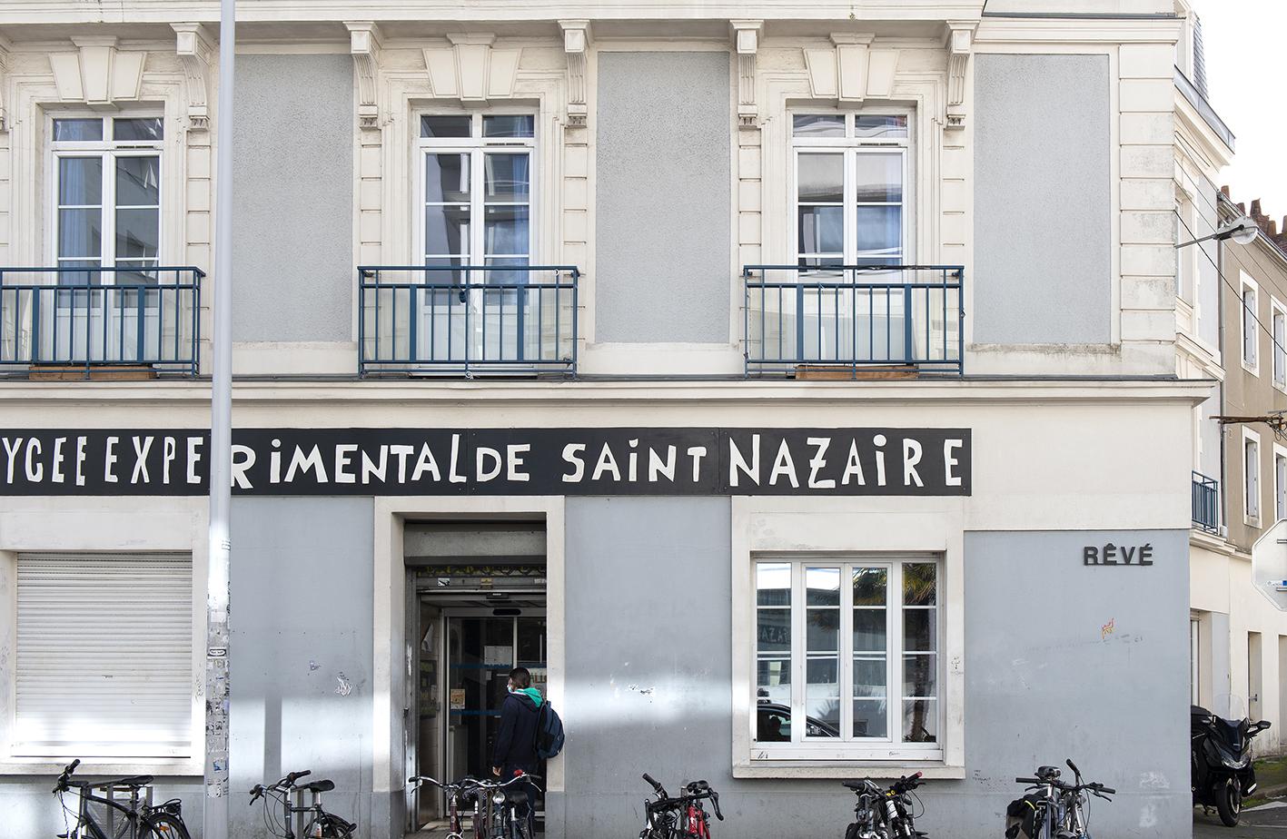 Chroniques de l'invisible [Record of the Invisible] - Le Grand Café
